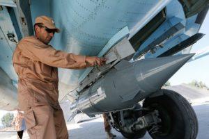 התקנת פצצת מצרר KAB 1500 על סו-34 בחמימים