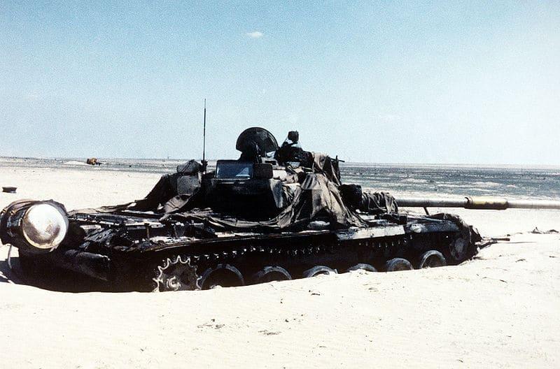 טנק עיראקי פגוע