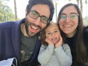 הסופרת ומשפחתה